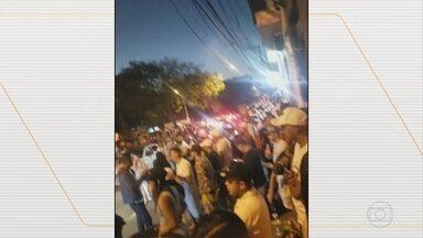 Polícia de SP flagra dezenas de pessoas em baile funk - Imagens mostram dezenas de pessoas reunidas - sem máscaras e aglomeradas.