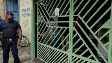 Comércio de Várzea Paulista tem fiscalização nesta terça-feira - Prefeitura realizou fiscalização no comércio de Várzea Paulista nesta terça-feira (14). A cidade está na fase vermelha e somente serviços essenciais podem fazer atendimento.