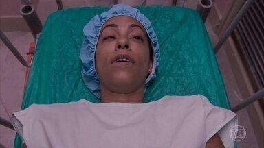 Dorinha entra na sala de cirurgia - undefined