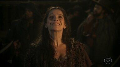 Elvira fica não acredita que está no navio de Fred Sem Alma - Os piratas querem saber onde Thomas esconde seus tesouros