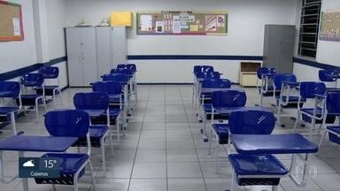 Taxa de escolarização cai em SP, diz IBGE - Maior queda foi entre jovens de 15 a 17 anos. De 2018 para 2019, 1,2% deixou de frequentar a escola.