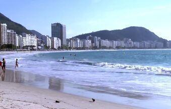Rio inicia fase 4 da reabertura e libera esporte coletivo na praia durante a semana - A cidade do Rio entra na quarta fase de flexibilização das regras de isolamento social. Nessa fase, a principal mudança é a liberação da prática de esportes coletivos na praia.