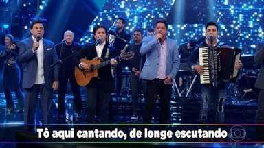 """Leonardo, Chitãozinho & Xororó/ Zezé Di Camargo & Luciano cantam no Domingão - Os Amigos cantam """"Saudade da minha Terra"""""""
