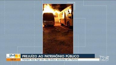 Homem ateia fogo em três ônibus escolares em Fortuna - Ele foi preso por policiais militares.