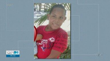 Criança morre atropelada por veículo na avenida Cardoso de Sá em Petrolina - De acordo com a Polícia Civil, o veículo invadiu a calçada e atropelou o menino. O motorista fugiu, sem prestar socorro.