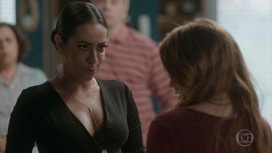 Dorinha conta para Eliza que Carolina fez uma aposta com Arthur - Arthur avisa a Carolina que Dorinha está em sua casa fazendo a maior bagunça achando que é a irmã