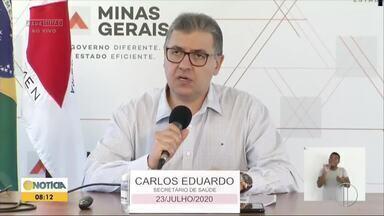Secretário Estadual de Saúde fala sobre a situação da Covid-19 em Minas Gerais - Estado possui 102.568 infectados pelo novo coronavírus. Segundo Carlos Eduardo Amaral, situação é delicada, mas menos grave que em outros estados.