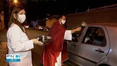 Fiéis católicos celebram o Dia de São Cristóvão, o padroeiro dos motoristas - Em Dracena, houve a bênção dos veículos na tarde deste sábado (25).