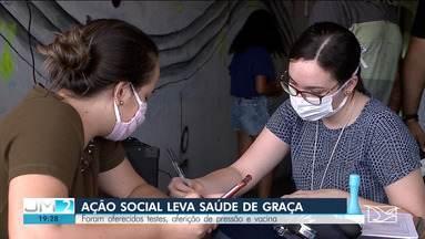 Ação social é realizada na Vila Palmeira, em São Luís - Atividade levou serviços de saúde de graça para a população.