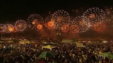 Tradicional festa de réveillon em Copacabana, no Rio, não acontecerá no modelo atual - A Prefeitura do Rio ainda está estudando uma forma de celebração, um modelo virtual, sem aglomeração. Bem diferente do jeito tradicional de começar o ano novo.