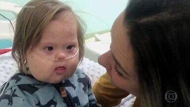 'O menino mais forte do mundo', diz mãe de bebê com síndrome de Down que venceu a Covid - Chico, de três anos, ficou 13 dias internado na UTI e está curado. Ele ficou famoso na internet com fotos fantasiado de herói após as várias cirurgias que fez durante a vida.