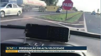 Motorista foge de abordagem e coloca muitas pessoas em risco - Perseguição foi em Santa Terezinha de Itaipu.