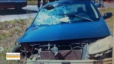 Acidente grave entre carro e moto é registrado em Goiânia - Veja este e outros assuntos do Anhanguera Notícias.