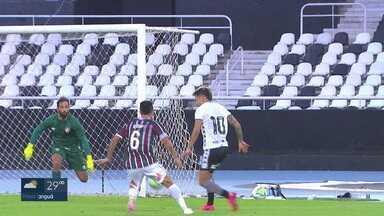 Após vitória tricolor, Botafogo e Fluminense se preparam para novo amistoso antes da estreia pelo Brasileirão - Após vitória tricolor, Botafogo e Fluminense se preparam para novo amistoso antes da estreia pelo Brasileirão