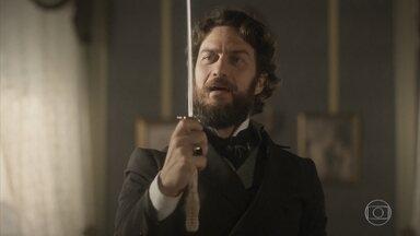 Thomas planeja vingança contra Miss Liu - O oficial encontra uma espada pirata no quarto da ex-babá de Vitória