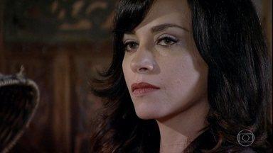 Joana se hospeda na pousada - Iris fica desconfiada e acha que a mulher que viu na pousada é a própria Marcela. Luana estranha o jeito de Joana. Zambeze se chateia com Álvaro e é aconselhada por Luana a ser paciente com o marido
