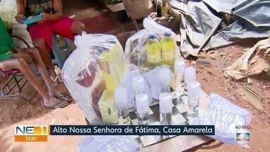 Moradores da Zona Norte do Recife recebem materiais de limpeza por meio de ação social - Trabalho é desenvolvido pela Central Única das Favelas no Alto Nossa Senhora de Fátima.