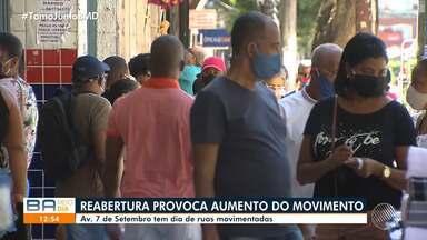 Reabertura de parte do comércio em Salvador provoca grande fluxo de pessoas - Quem vai para a Av. 7 de Setembro, na capital baiana, nota grande movimento nas ruas.