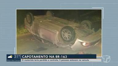 Veículo com cinco pessoas capota na BR-163, em Belterra - Quatro passageiros tiveram ferimentos graves e foram encaminhados para o Hospital Municipal de Santarém.