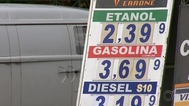 Com retomada da economia, preço do combustível deve aumentar em agosto - Com retomada de atividades economicas, o consumo voltou a subir e o preço do combustível também. A partir de agosto, o país começa a ter uma nova gasolina e com um preço mais alto.