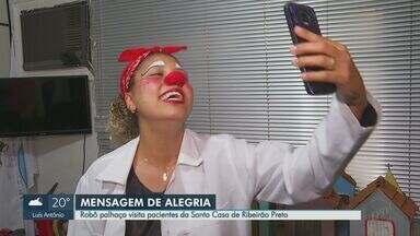 Robô palhaço visita pacientes da Santa Casa de Ribeirão Preto, SP - Voluntários acostumados a levar alegria aos hospitais criaram forma alternativa de visitar quem está internado.