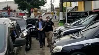 Vice-prefeito de Arujá é preso em operação da Polícia Civil - Ele e mais sete pessoas foram presas nesta quinta-feira (30), em uma operação da polícia que apura o desvio de dinheiro na Secretaria de Saúde da cidade.