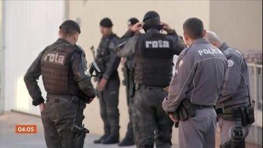 Polícia de SP busca pistas dos criminosos que aterrorizaram moradores de Botucatu - Na madrugada desta quinta-feira, eles explodiram uma agência bancária e fizeram uma série de ataques na cidade.