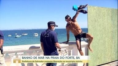 Prefeitura de Salvador contesta a abertura da Praia do Forte, BA - A discussão acontece porque as praias de Salvador permanecem fechadas. Os casos de Covid-19 avançam na região metropolitana.