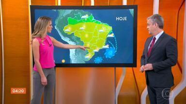 Cuiabá deve registrar máxima de 38°C nesta segunda-feira; veja a previsão para todo o país - Mês de agosto começa com tempo seco e com isso, a grande preocupação é com a umidade do ar e o crescimento do número de queimadas.