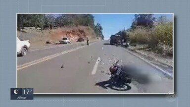 Motociclista morre e mulher fica ferida após batida com caminhão entre Alfenas e Paraguaçu - Motociclista morre e mulher fica ferida após batida com caminhão entre Alfenas e Paraguaçu