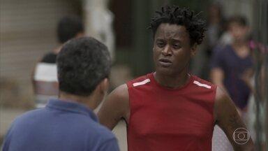 Montanha se sente culpado pelo atropelamento de Wesley - O professor fica aliviado ao saber que os bandidos estão presos