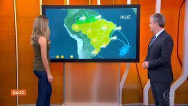 Tempo continua seco em boa parte do país nesta quinta-feira - Veja a previsão do tempo para todo o país. Levantamento mostra o aumento das queimadas no país.