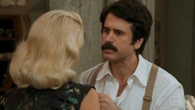Sandra avisa a Ernesto que ainda precisa do apoio de Araújo - Sandra pretende manipular Ernesto por mais tempo