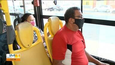 População tenta se adaptar com o uso obrigatório de máscaras dentro de ônibus - A máscara é uma das formas mais eficazes de se proteger contra o novo coronavírus.