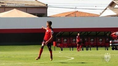 Depois de lesão, Jorginho volta aos treinos do Atlético - Meia fora do último amistoso do Dragão