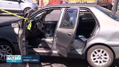 Motociclista morre após ser atingido por suspeitos em fuga, em BH - Dois suspeitos em fuga da polícia provocaram um acidente grave, nesta sexta-feira (07), em Belo Horizonte. Um motociclista morreu e outro ficou gravemente ferido.