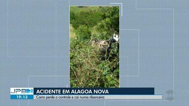 Motorista perde controle de carro e cai em ribanceira, no Agreste da Paraíba - Acidente foi entre os municípios de Lagoa Seca e Alagoa Nova.