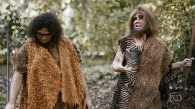 Homem das cavernas vegano - Mamute com hormônio e planta com agrotóxico.