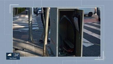 Vândalos levam quase 1 mil metros de cabos de energia de semáforos - Furtos foram registrados em 20 cruzamentos da capital, só no último final de semana.