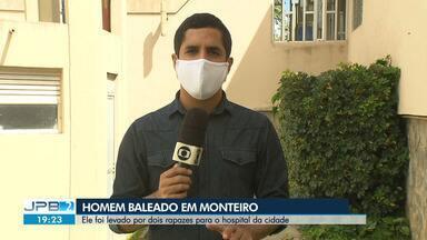 Homem morreu baleado em Monteiro, no Cariri da Paraíba - Ele foi levado por dois rapazes para o hospital da cidade.