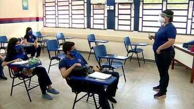 Rede pública estadual de Manaus retoma aulas presenciais - Manaus é a primeira capital a retomar aulas presenciais da rede pública estadual.