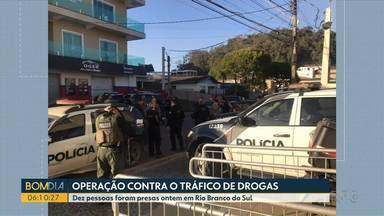 Dez pessoas foram presas ontem em Rio Branco do Sul - Operação da polícia foi contra o tráfico de drogas.