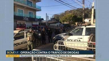 Dez pessoas foram presas ontem em Rio Branco do Sul - Operação da polícia foi contra o tráfico de drogas.