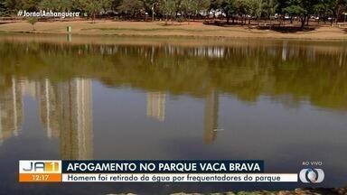 Homem se afoga no Parque Vaca Brava, em Goiânia - Ele foi retirado da água por frequentadores do parque e, em seguida, socorrido pelos bombeiros.
