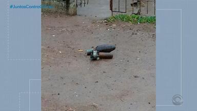 Policiais encontram granada na residência de um jovem, de 18 anos, em Santa Maria - Assista ao vídeo.