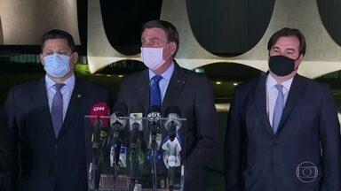 Bolsonaro diz que governo respeitará o teto de gastos - Presidente Jair Bolsonaro se reuniu com ministros e presidentes da Câmara e Senado nesta quarta (12).