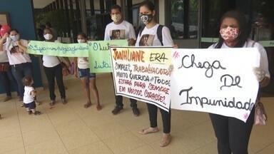Familiares de jovem atropelada por motorista de BMW protestam em Rio Branco - Familiares de jovem atropelada por motorista de BMW protestam em Rio Branco