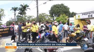 Motoristas rodoviários realizam protesto e pedem retorno das atividades em Itabuna - Sem transporte coletivo, os trabalhadores estão parados durante o período de pandemia.