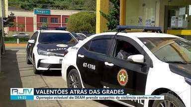 Operação estadual da Deam prende suspeitos de violência contra a mulher na Região Serrana - Operação Atena é realizada pela Polícia Civil em todo o estado do Rio de Janeiro nesta quinta-feira (13).