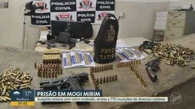 Polícia prende homem com carro roubado, armas e 770 munições em Mogi Mirim - Caso aconteceu na noite de sábado (15), no bairro Linda Chaib. Veículo havia sido roubado em Itapira (SP).